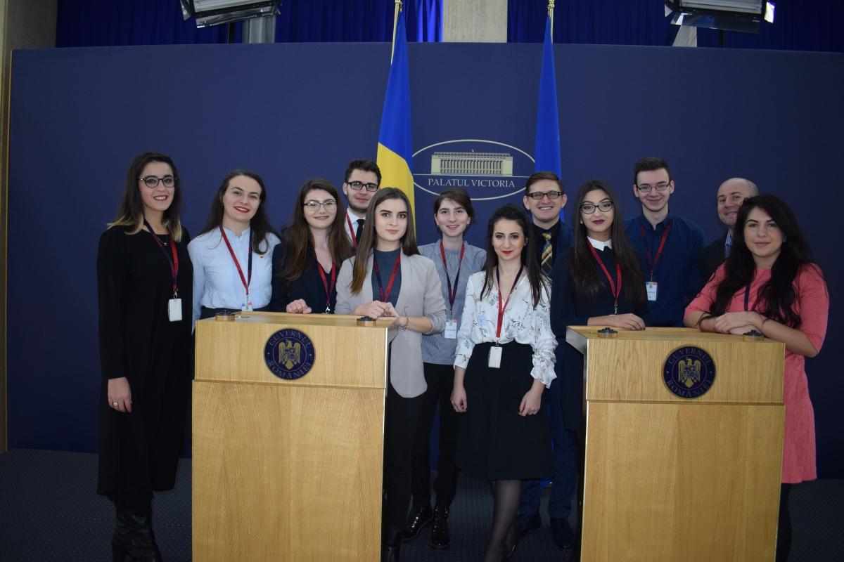 Asociația Studenților Jurnaliști Iași a primit distincții la GuvernulRomâniei