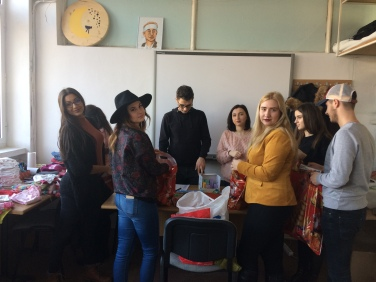 """Asociaţia Studenţilor Jurnalişti din Iaşi continuă campania caritabilă """"Și eu vreau să zâmbesc de sărbători"""""""