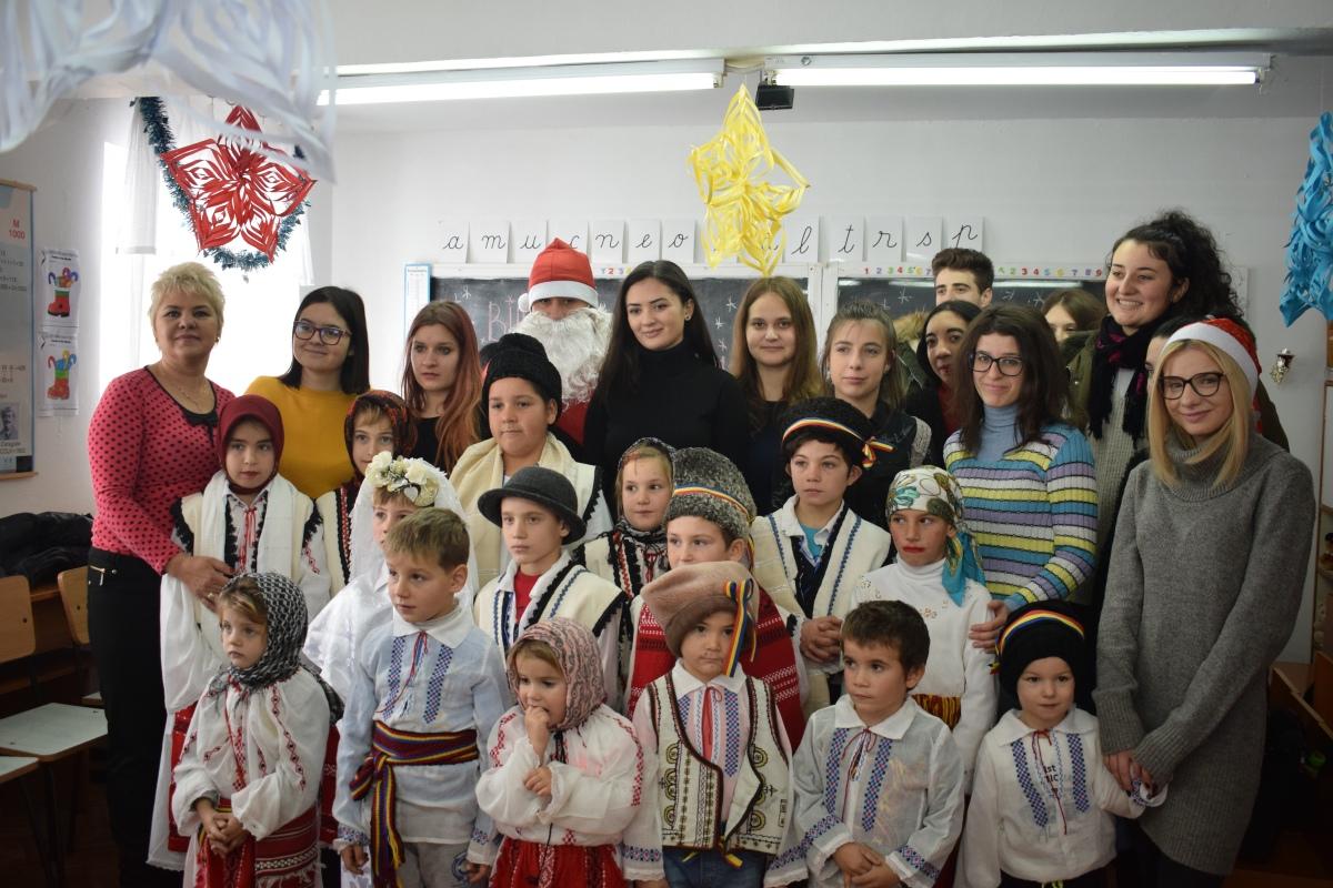Moş ASJ-ist desărbători